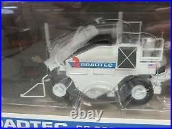 Roadtec SB-2500 Shuttle Buggy MTD First Gear 150 Scale Model #50-3229 New